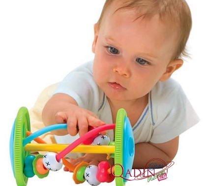 Какие развивающие игрушки нужны ребенку в 8 месяцев